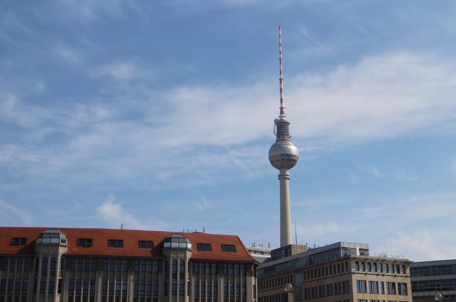 Fernsehturm met uitzichtpunt, restaurant en bar